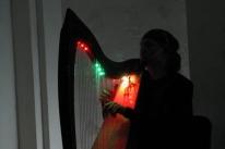 2009-03-04_spb-_tsentr_kulturnykh_initsiativ_sad_kontsert_v_ramkakh_proekta_ehtnicheskoj_muzyki_ijuniki_3